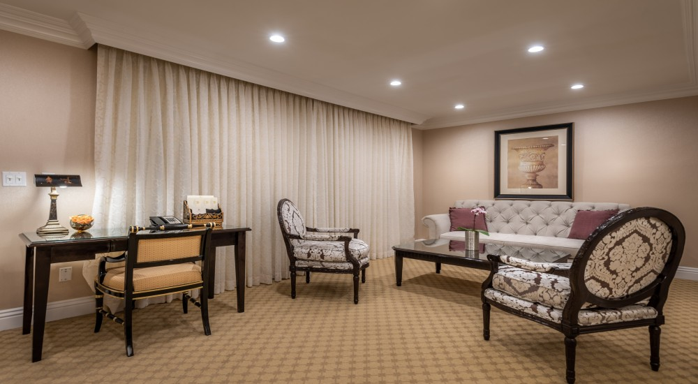 ACCESSIBLE ONE BEDROOM LUXURY SUITE 2 DOUBLES