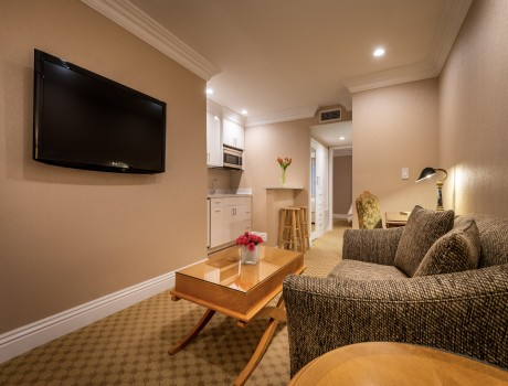 Beverly Hills Plaza Hotel & Spa - Executive Suite