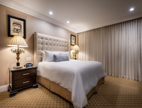 Beverly Hills Plaza Hotel & Spa - Accessible 1 Bedroom King Bedroom