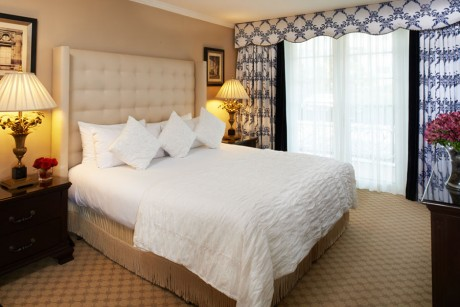 Beverly Hills Plaza Hotel & Spa:  ONE BEDROOM LUXURY SUITE