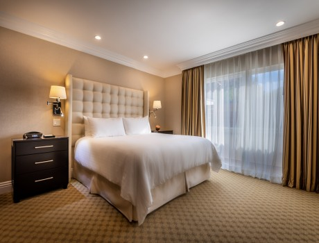 Beverly Hills Plaza Hotel & Spa: Deluxe Suite